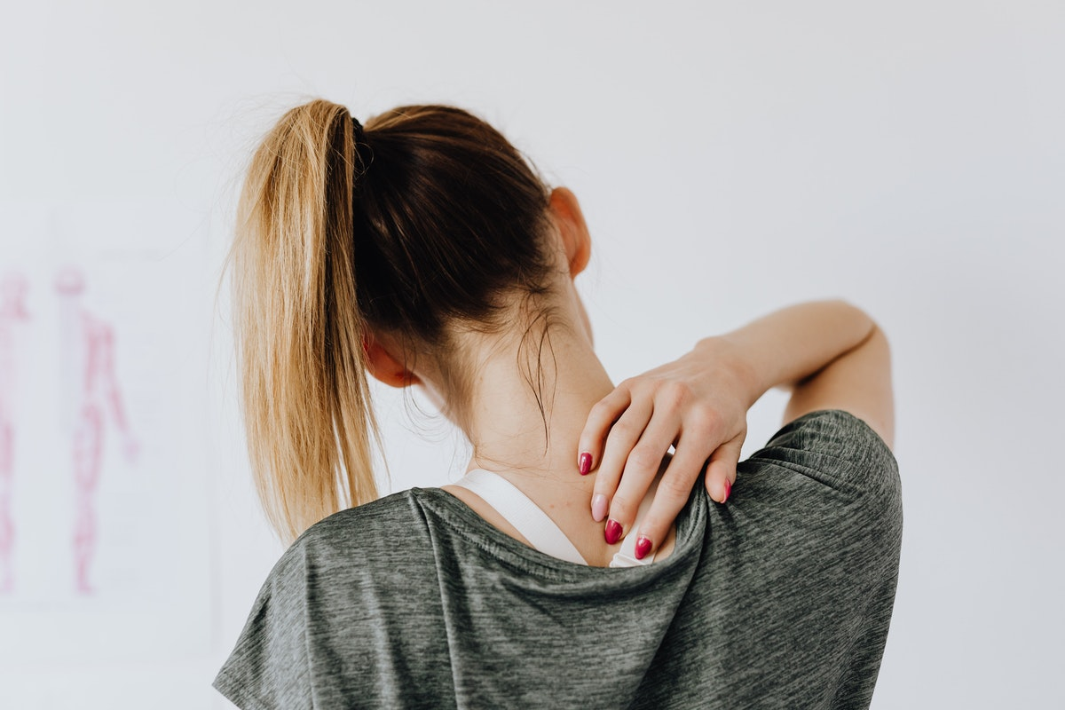 Three Tips on How to Prevent Lower Back Pain when You Work a Desk Job