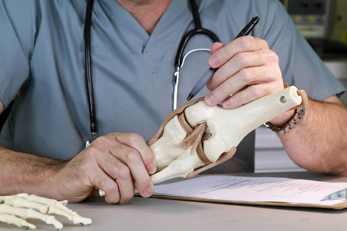 Five Signs it's Time to See an Orthopedic Surgeon