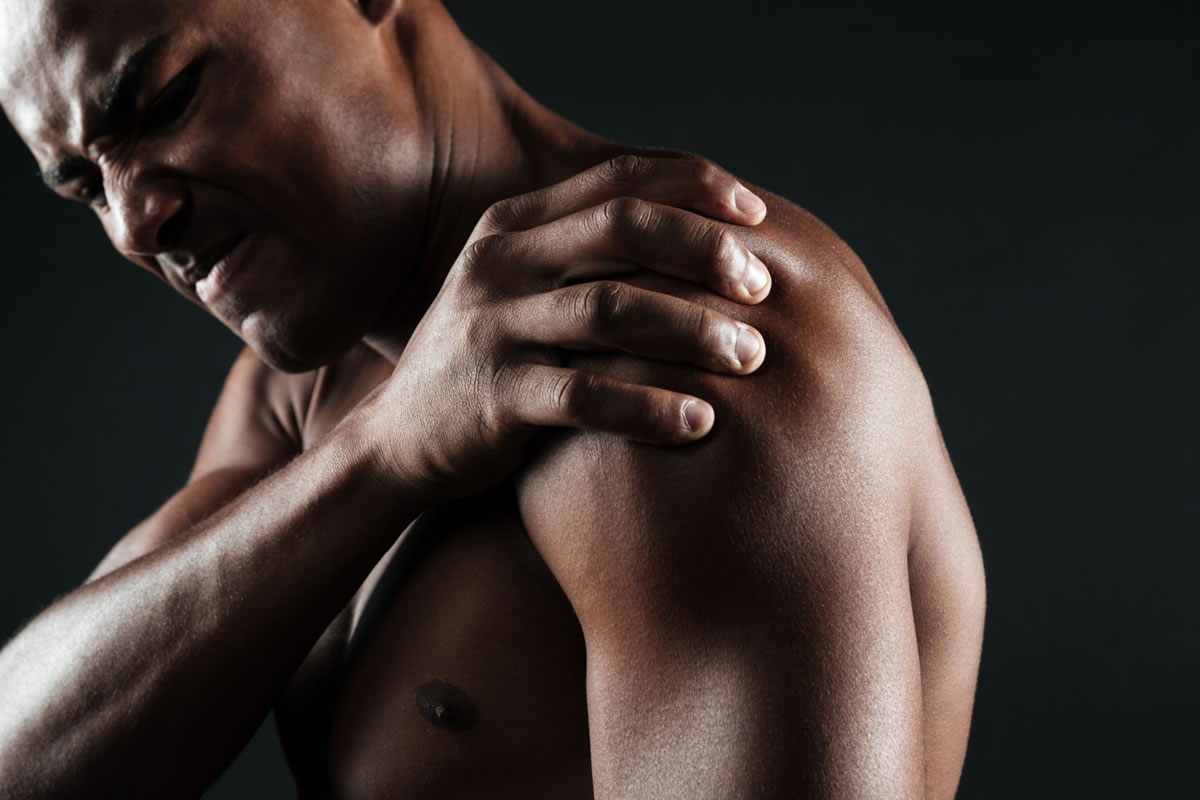 Five Signs You May Need a Shoulder Replacement Surgery